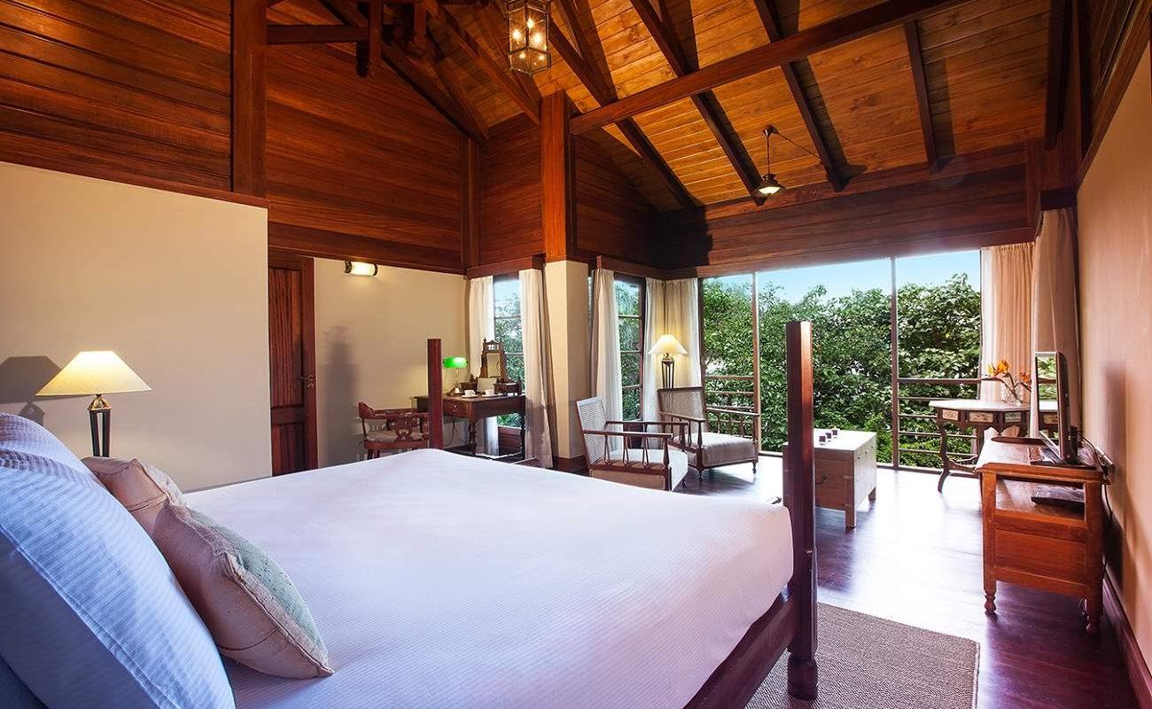 Schlafzimmer der Enchanted Island Private Pool Villa