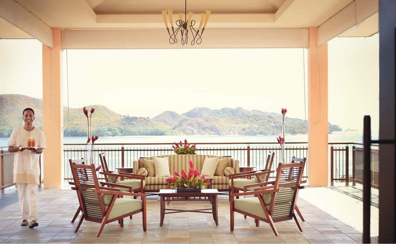 Willkommenslounge im Luxushotel Raffles auf Praslin