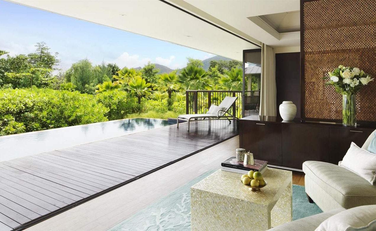 Lounge einer 2 Bedroom Villa im Raffles Praslin