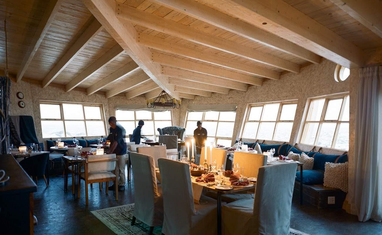 Speiseraum der Shipwreck Lodge