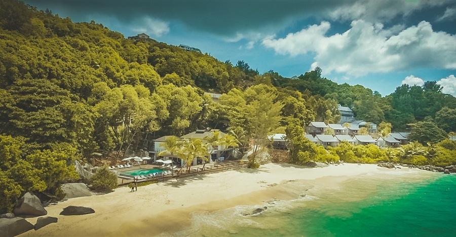 Carana Beach am Strand von Mahé