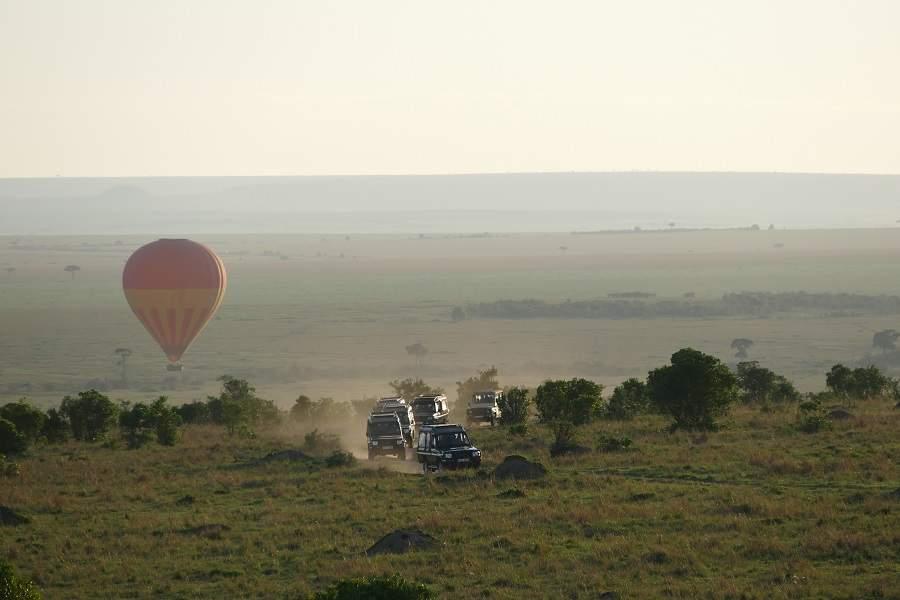 Jeeps Heißluftballon Masai Mara