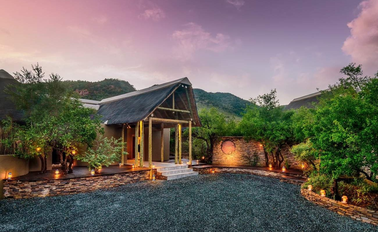Eingang zur Lush Private Lodge