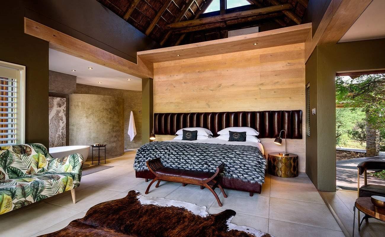 Schlafzimmer einer Suite in Lush