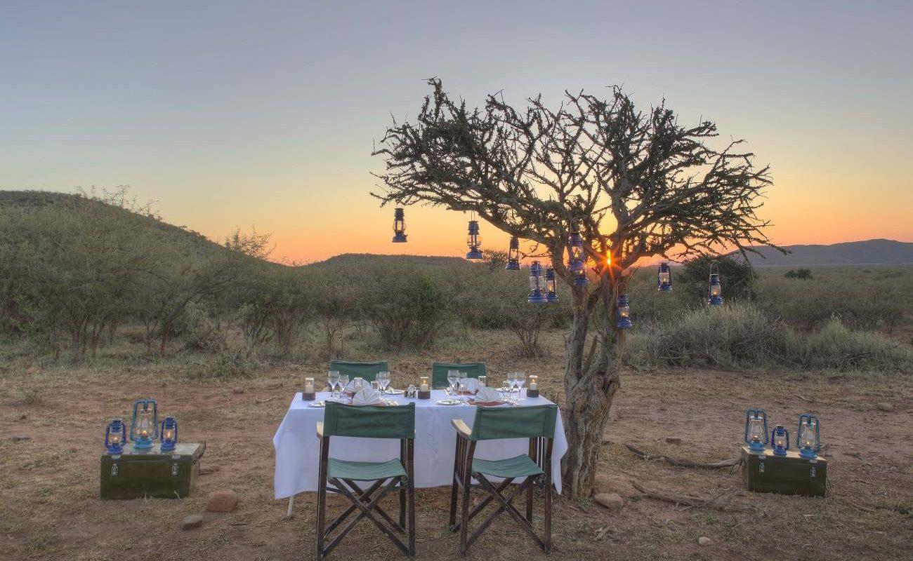 Dinner im Bush im Madikwe Game Reserve