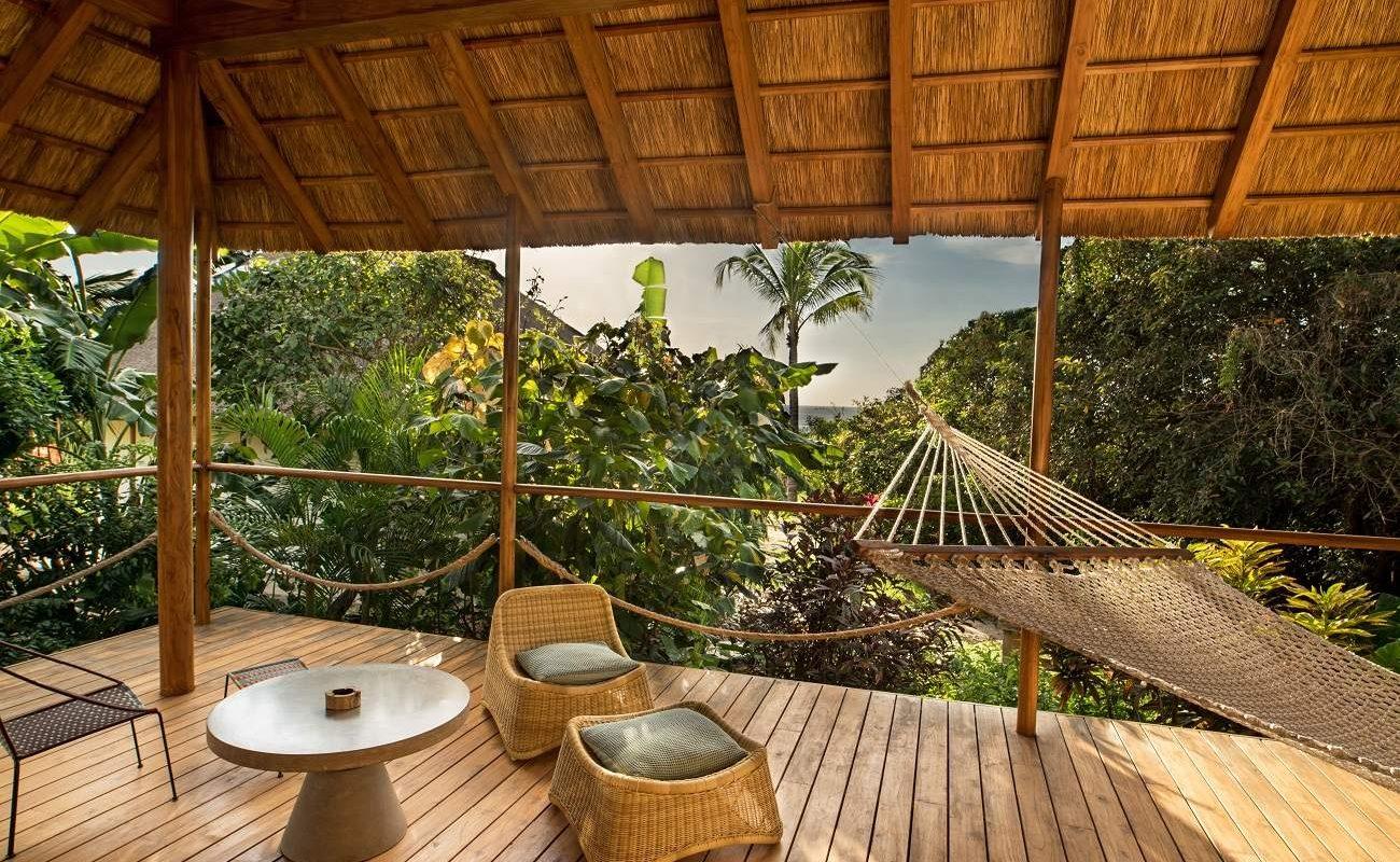 Veranda eines Bungalows von Zuri Zanzibar