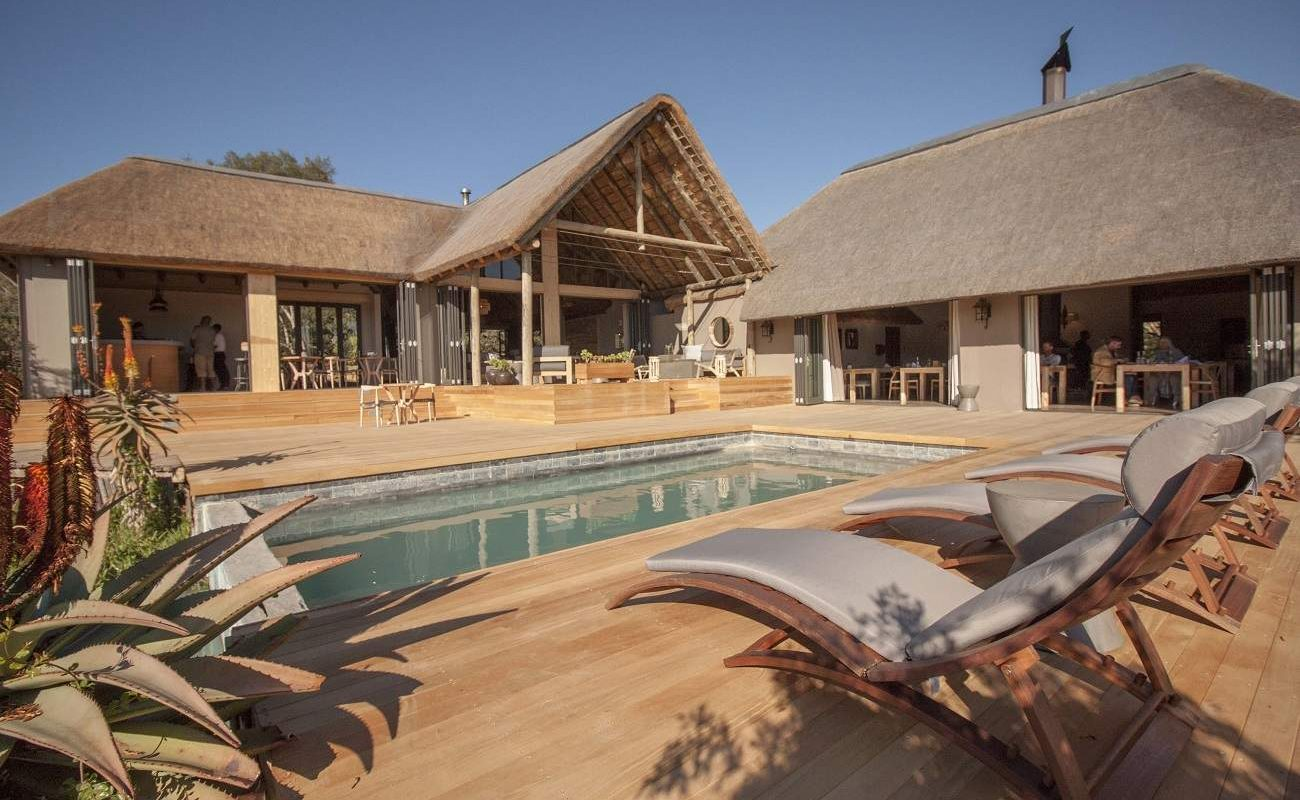Sonnendeck der Bukela Lodge