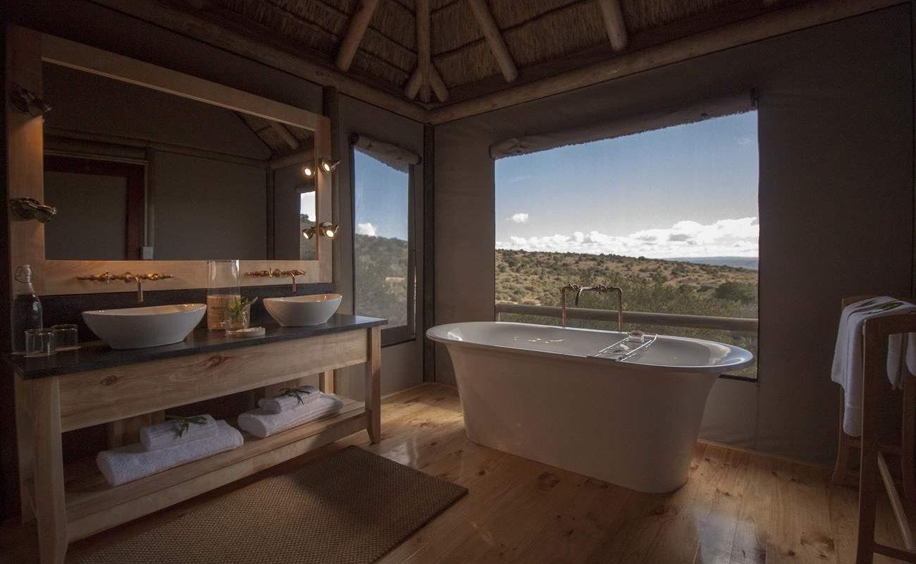 Bad eines Luxuszelt in der Bukela Lodge