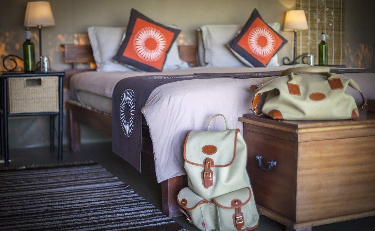 Geschmackvolle Details im Luxuszelt in Kenia