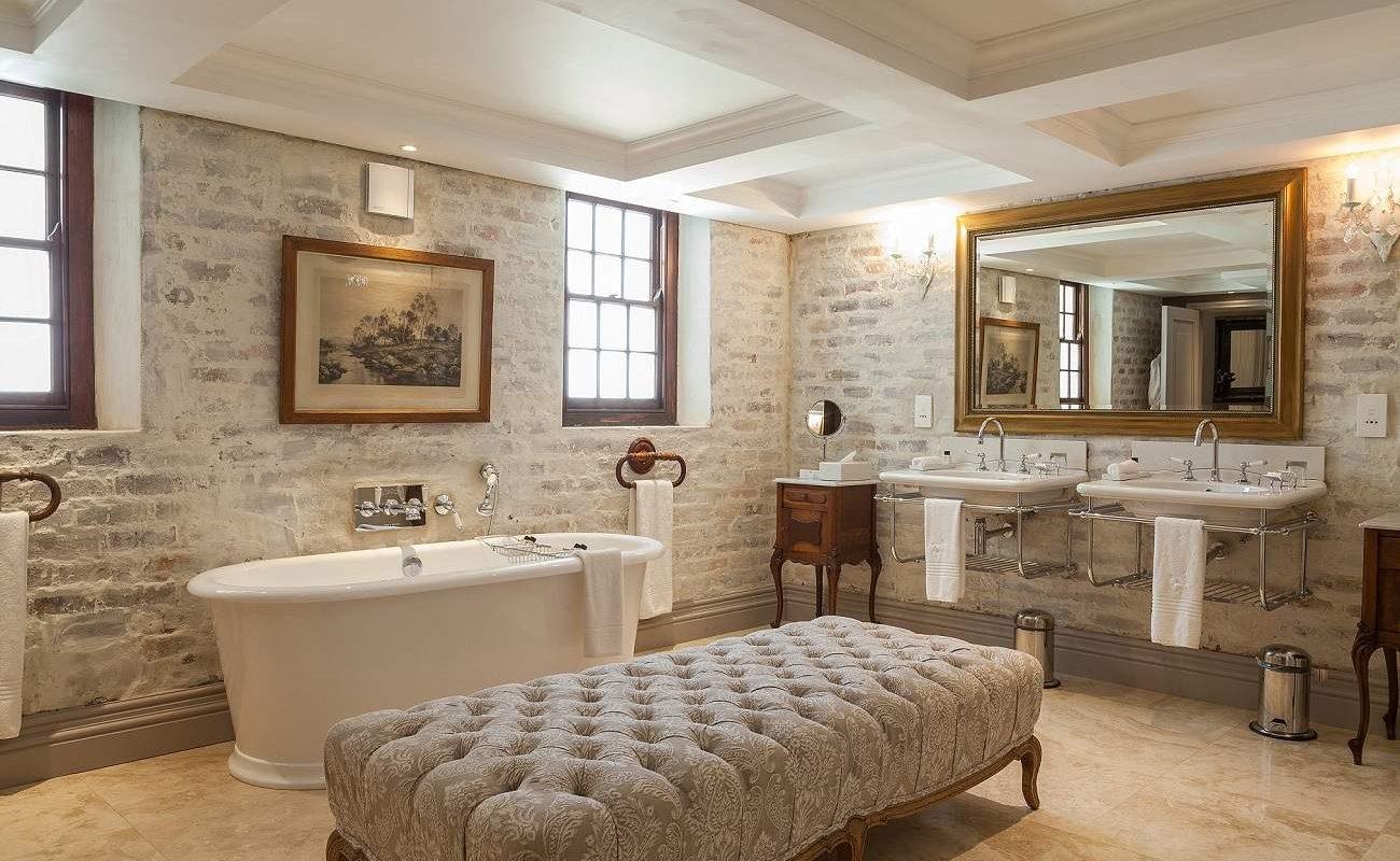 Badezimmer einer Junior Suite im Lanzerac