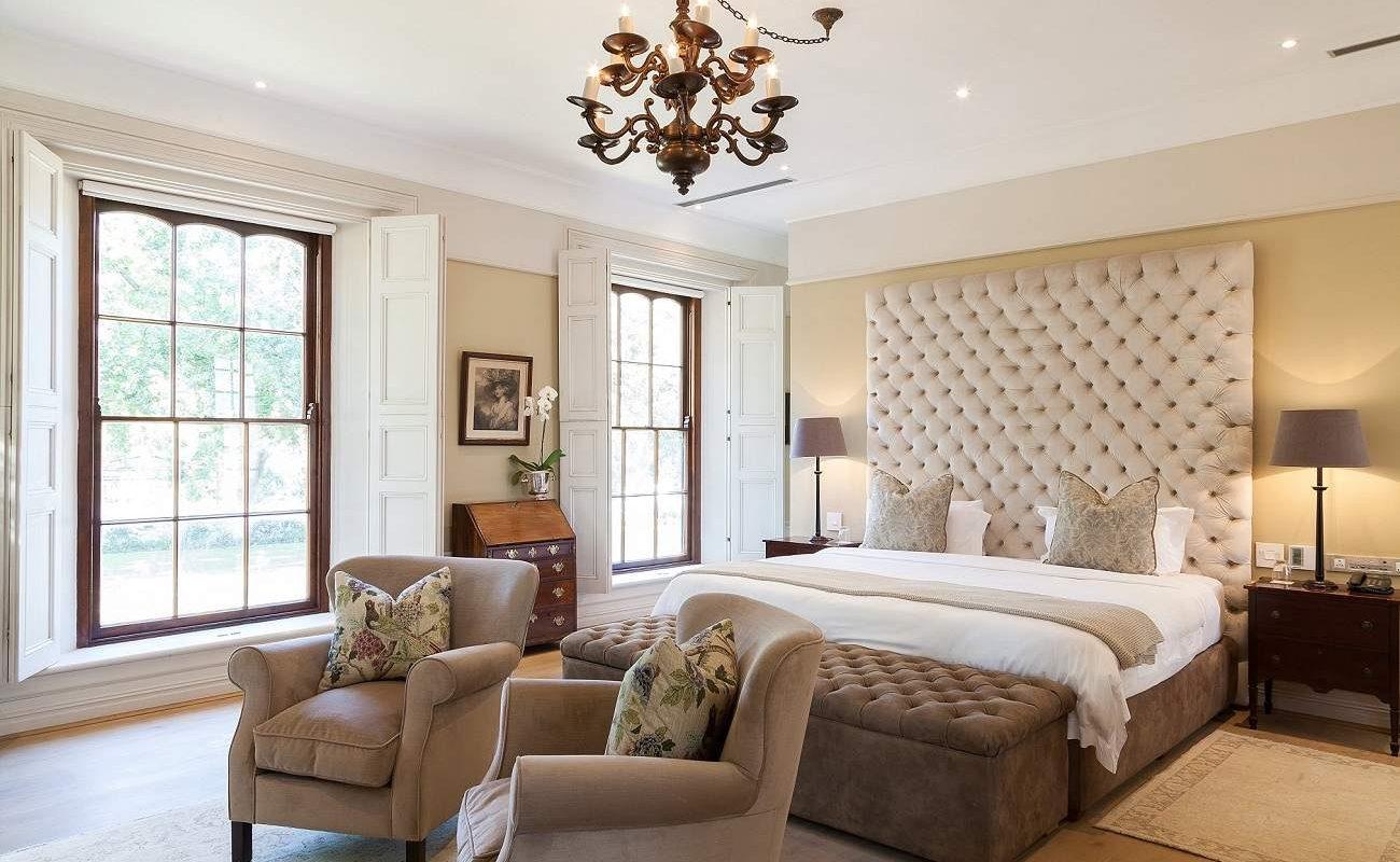 Schlafzimmer einer Suite im Lanzerac Hotel & Spa