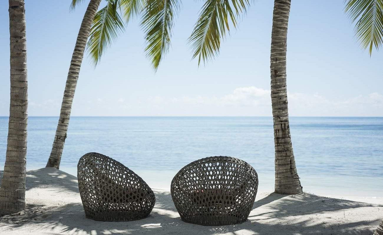 Am Traumstrand des Four Season Desroches Island Seychellen