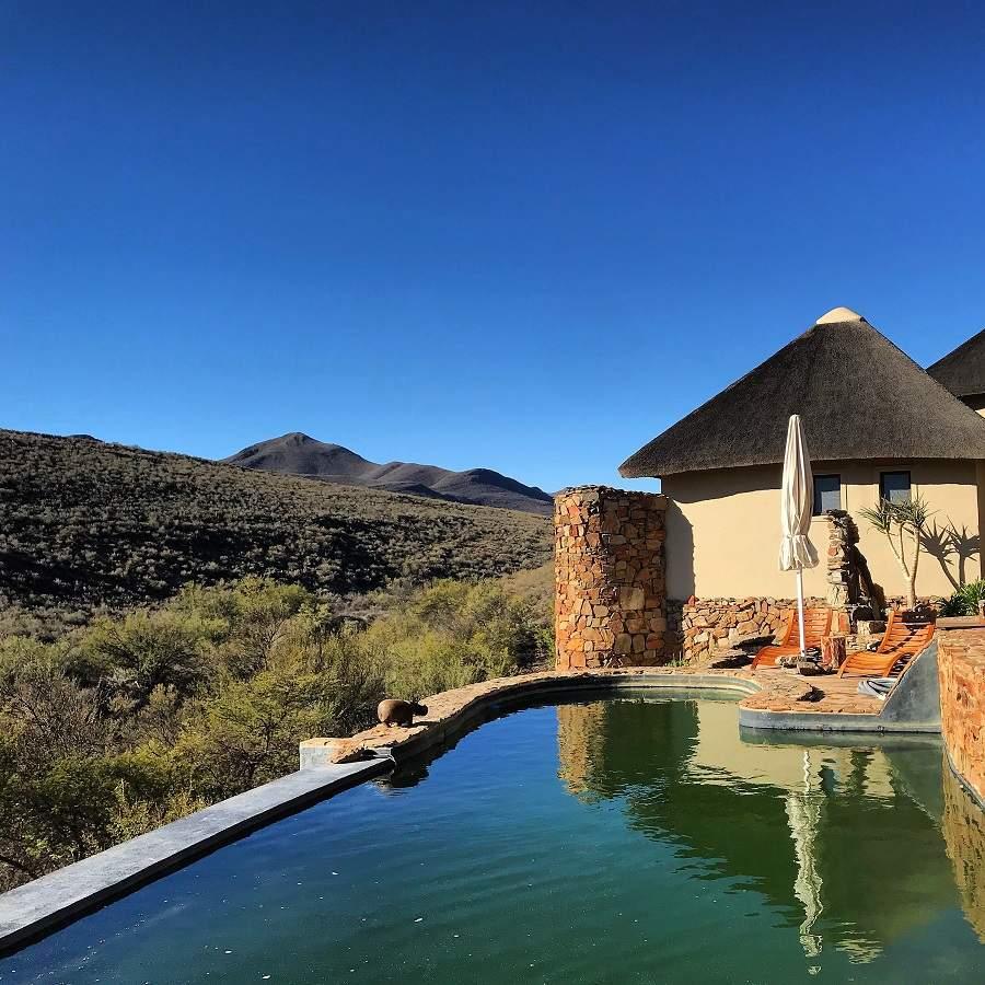 Am Pool der White Lion Lodge, Südafrika