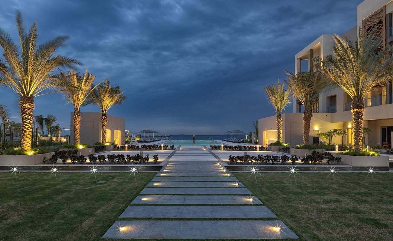 Innenhof des Luxushotels in Muscat