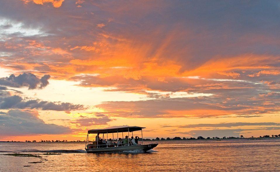 Sundowner auf dem Chobe River