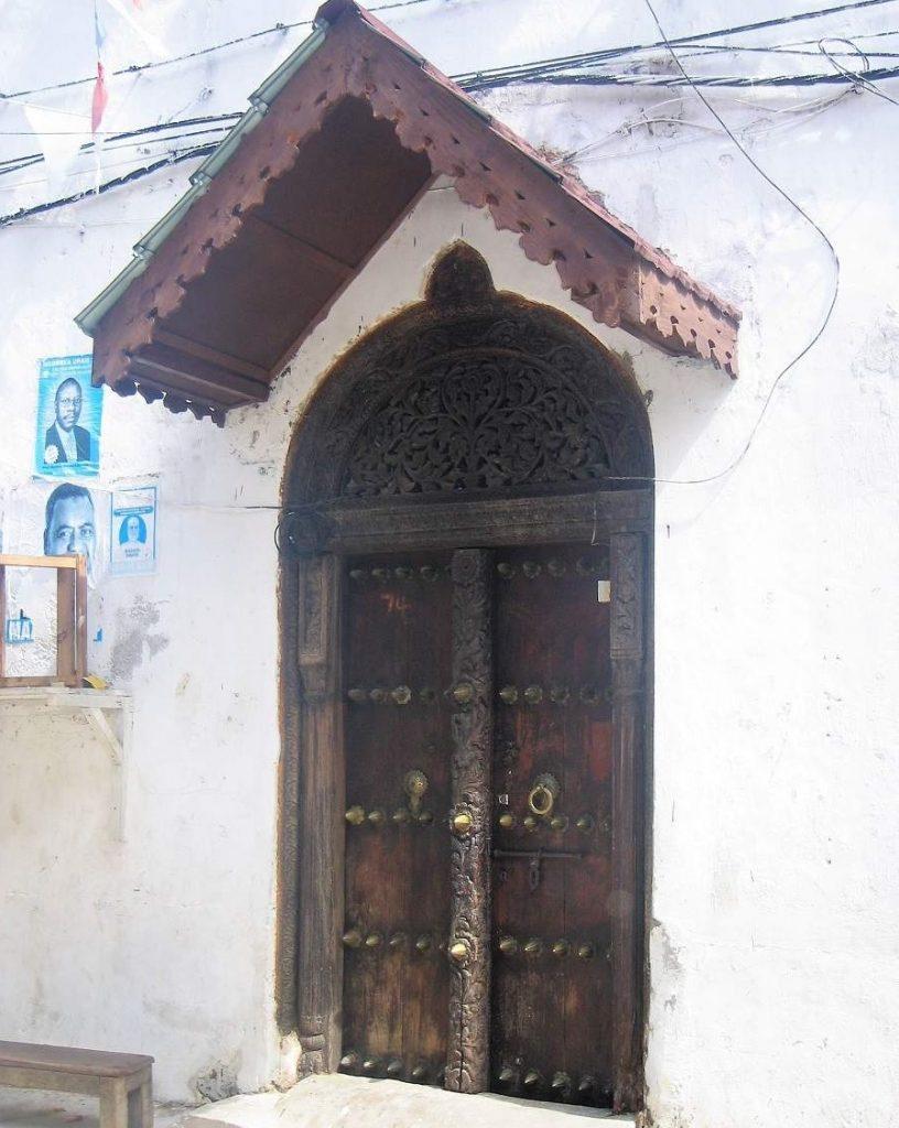 Indische Tür in Stone Town