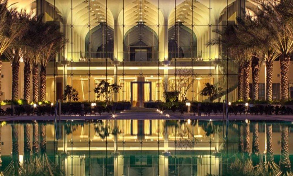 Buchen Sie das Kempinski Hotel Muscat mit Oman Spezialist Genuss Touren