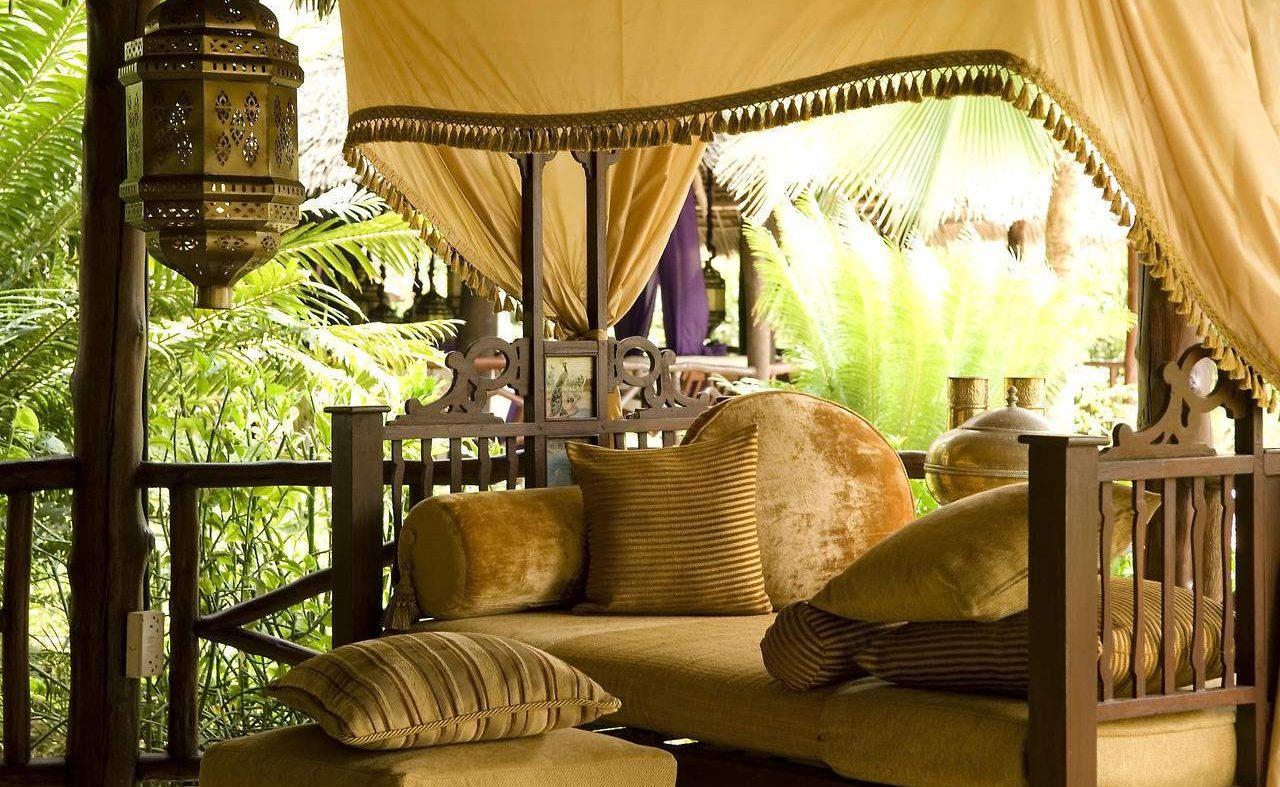 The Chai Room, Breezes