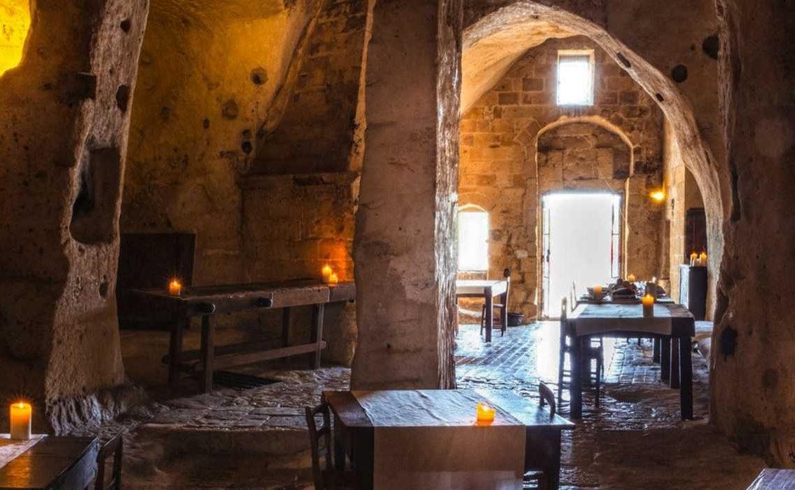 Frühstück in der Grotta della Civita