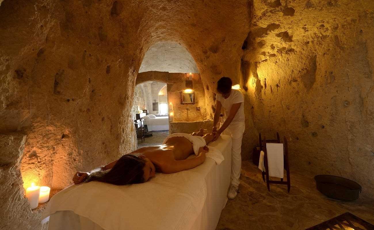 Massage im eigenen Zimmer in der Grotte Matera