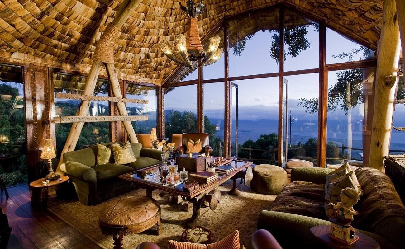 Die luxuriöse Lounge der Lodge von AndBeyond