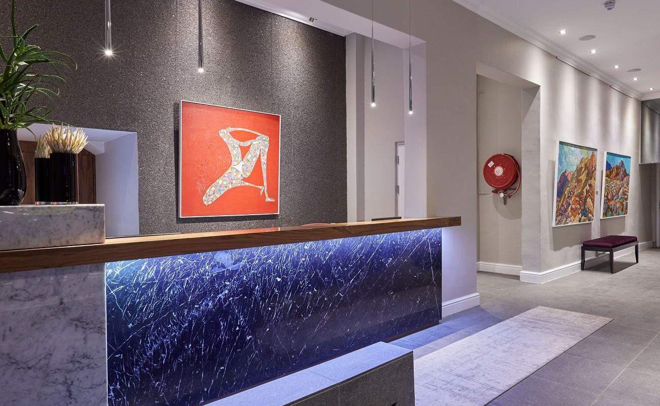 Rezeption des Cloud Nine Boutique Hotel & Spa