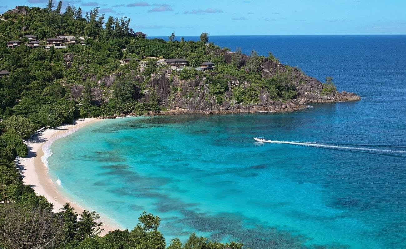 Bucht der Petite Anse des Four Seasons