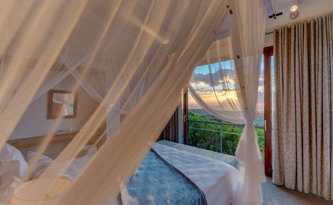 Schlafzimmer einer Luxury Suite, Grootbos Forest