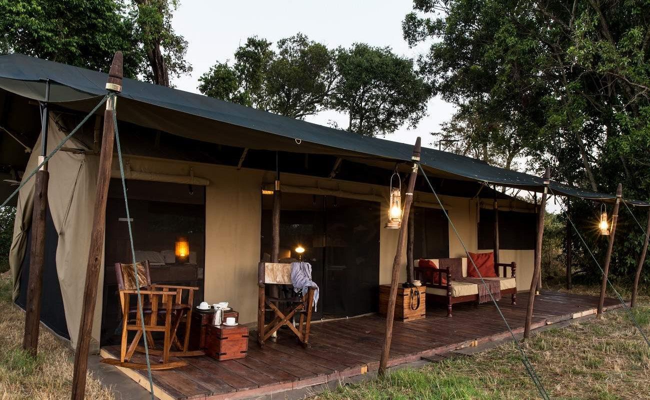 Blick auf ein Luxuszelt von Lemala in der Serengeti