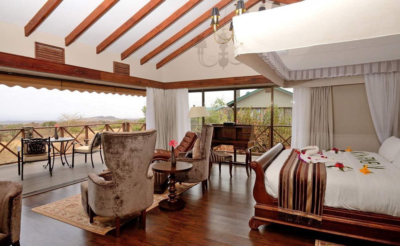 Blick auf die Veranda einer Suite in der Ngorongoro Oldeani Mountain Lodge