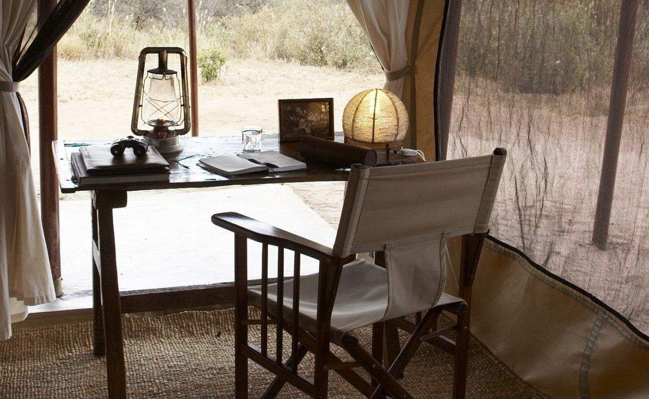 Von Ihrem Schreibtisch schauen Sie in den Tarangire Nationalpark
