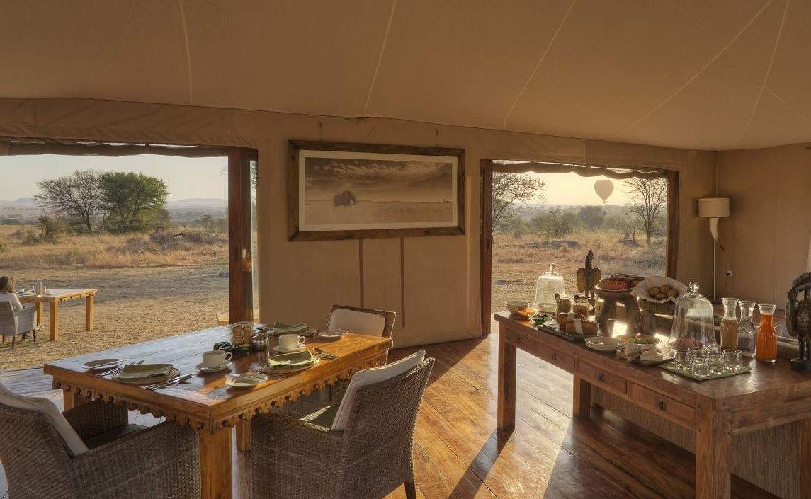 Speisezimmer und Lounge von Sayari