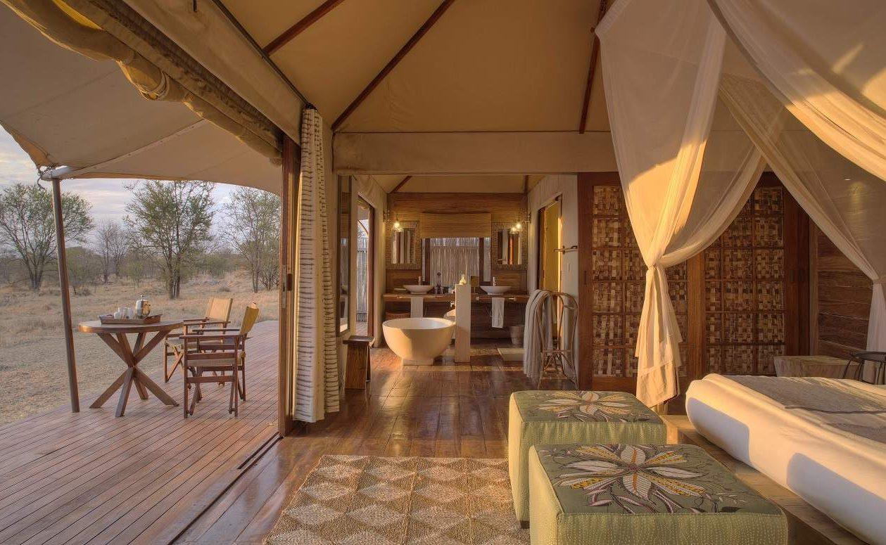 Das stilvolle Bad des Luxuscamp Sayari