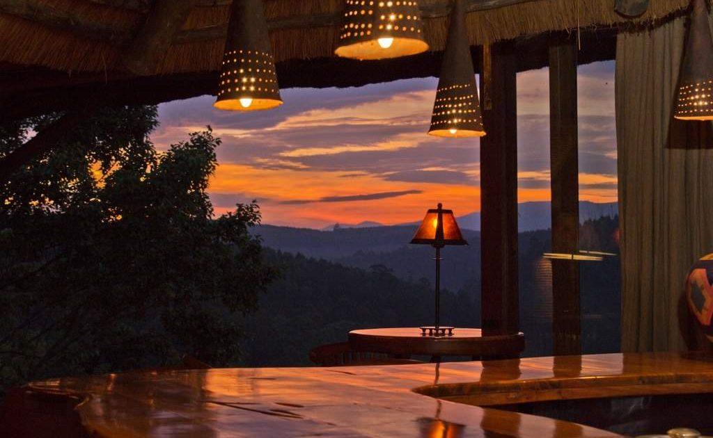 Bar von TanaMera bei Sonnenuntergang