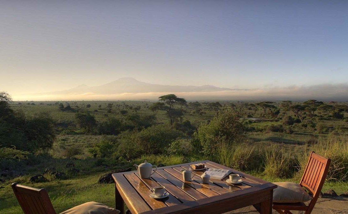 Frühstück mit Blick auf den Kilimanjaro