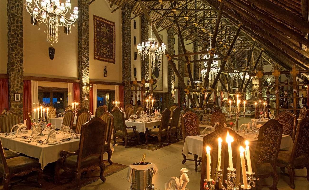 Das opulente Restaurant der Kilimamoja Lodge