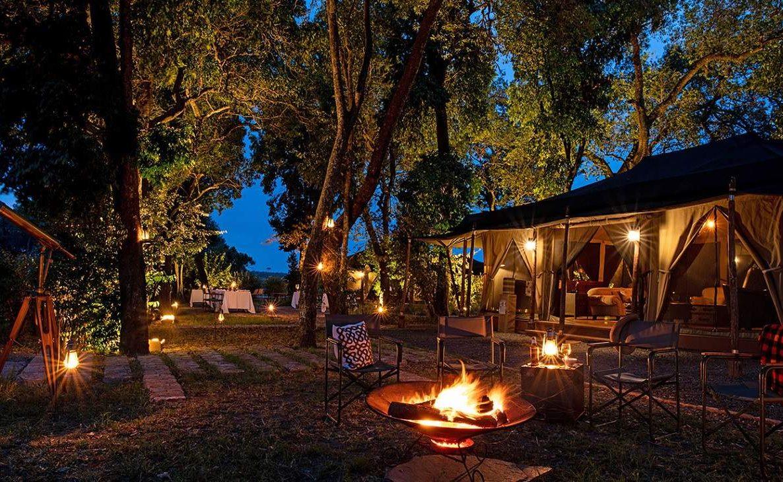 Safari Romantik an der Feuerstelle in der Masai Mara