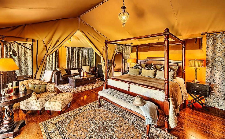 Ein Luxuszelt im Elewana Sand River Mara