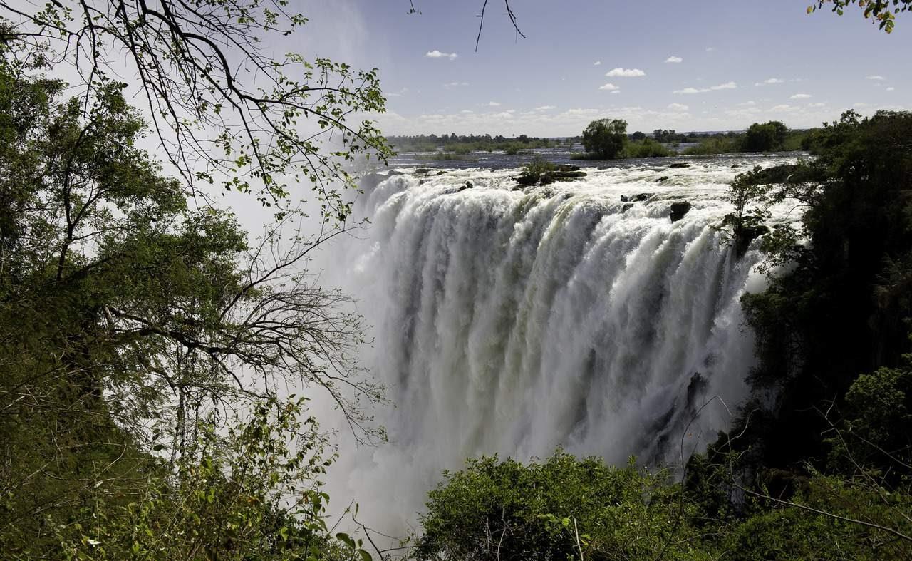 Victoria Falls an den Grenze von Sambia und Simbabwe