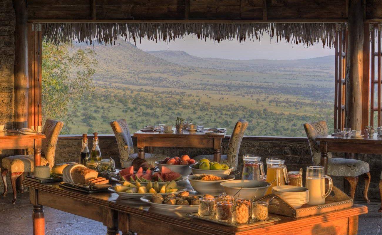 Speiseraum im Luxuscamp von andBeyond in der Serengeti