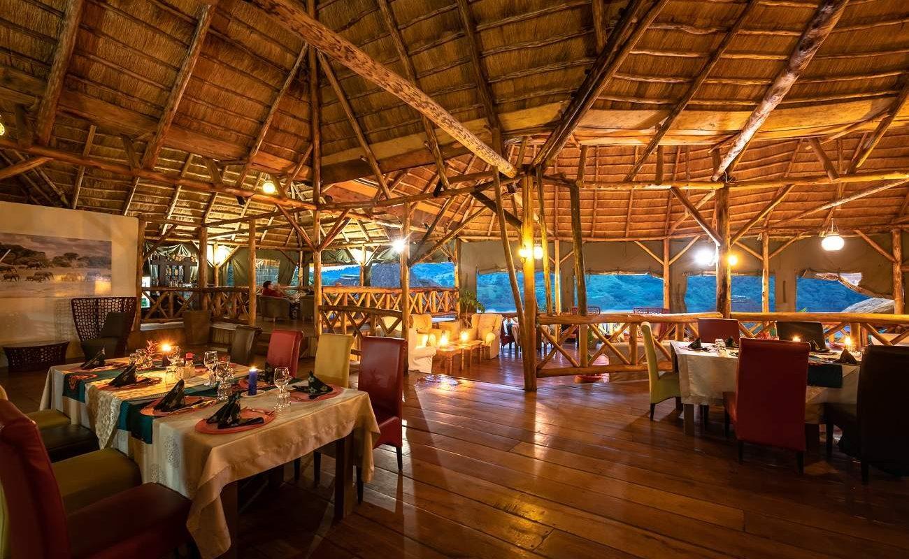 Restaurant der Crater Safari Lodge, Uganda