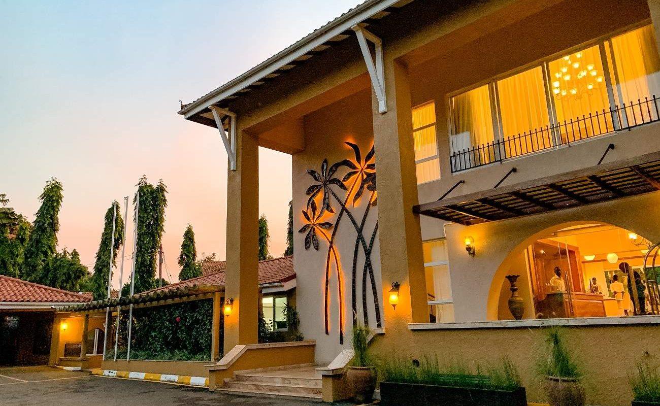 Eingang zum Boutiquehotel in Entebbe
