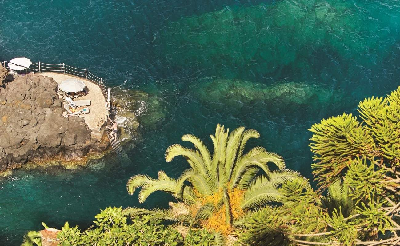 Die Badeplattform des Luxushotels auf Madeira