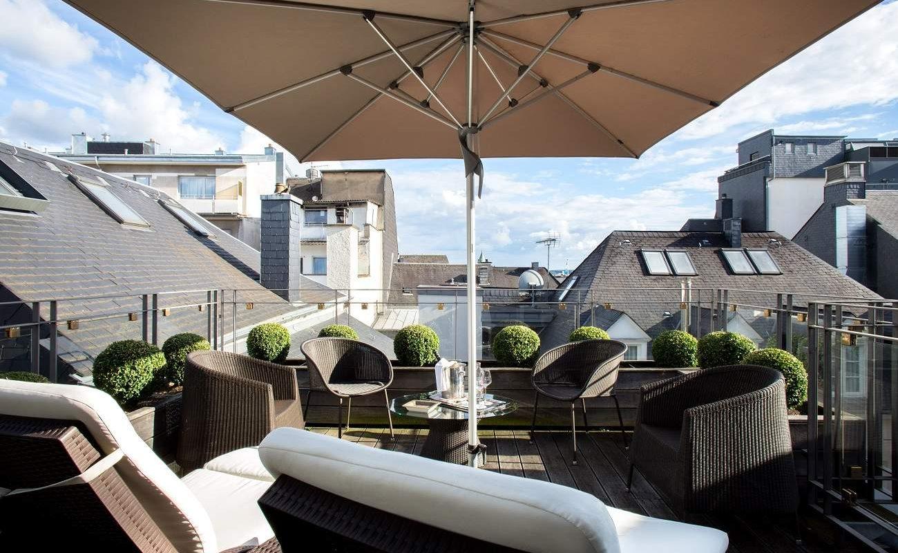 Terrasse der Junior Suite im Hotel Le Place D'Armes