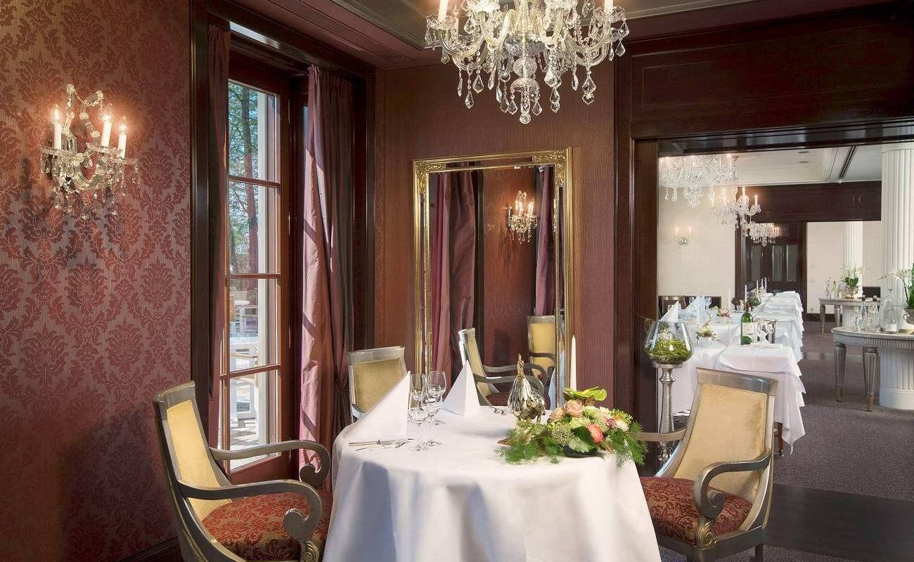Gourmetrestaurant Le Cerf im Wald- und Schlosshotel Friedrichsruhe