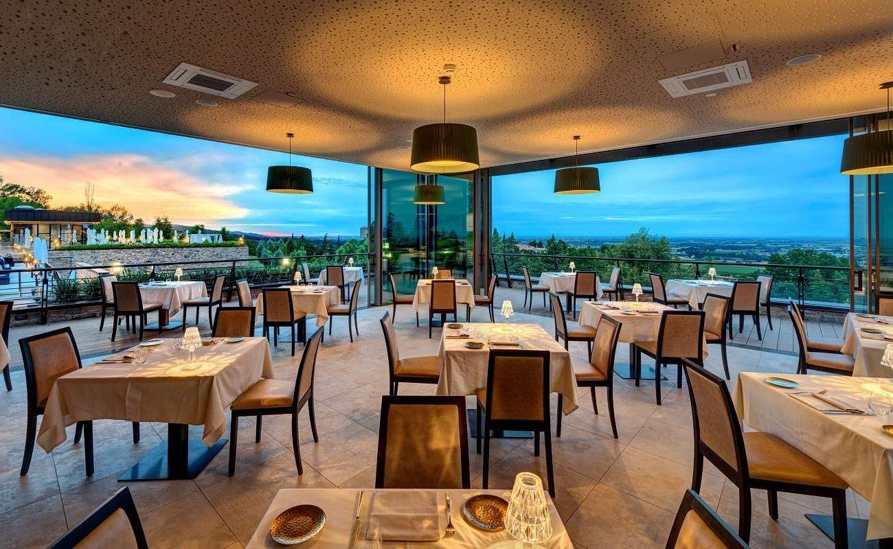 Aurevo Pool Restaurant