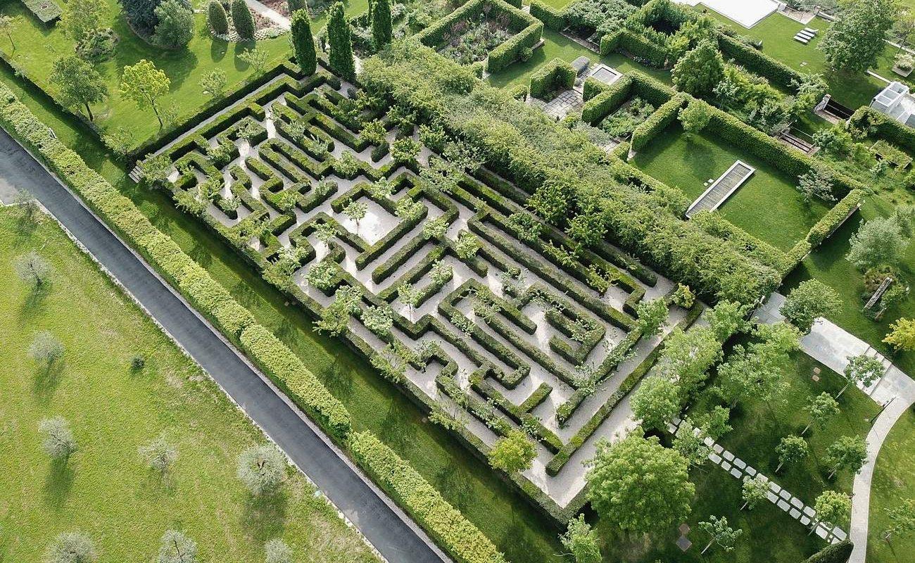 Labyrinth im Park des Palazzo di Varignana