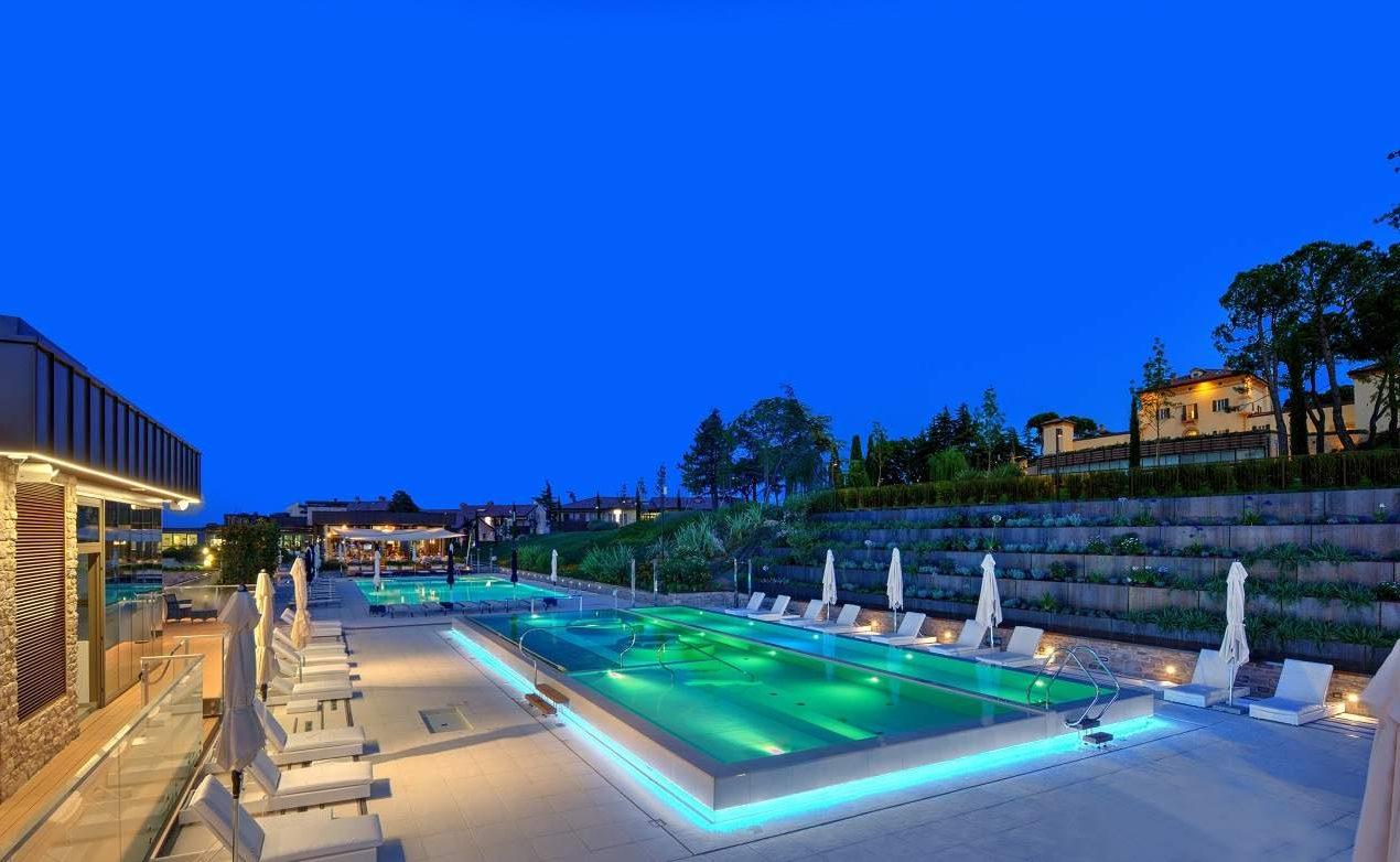 Crystal Pool des Luxushotels in der Emilia Romagna