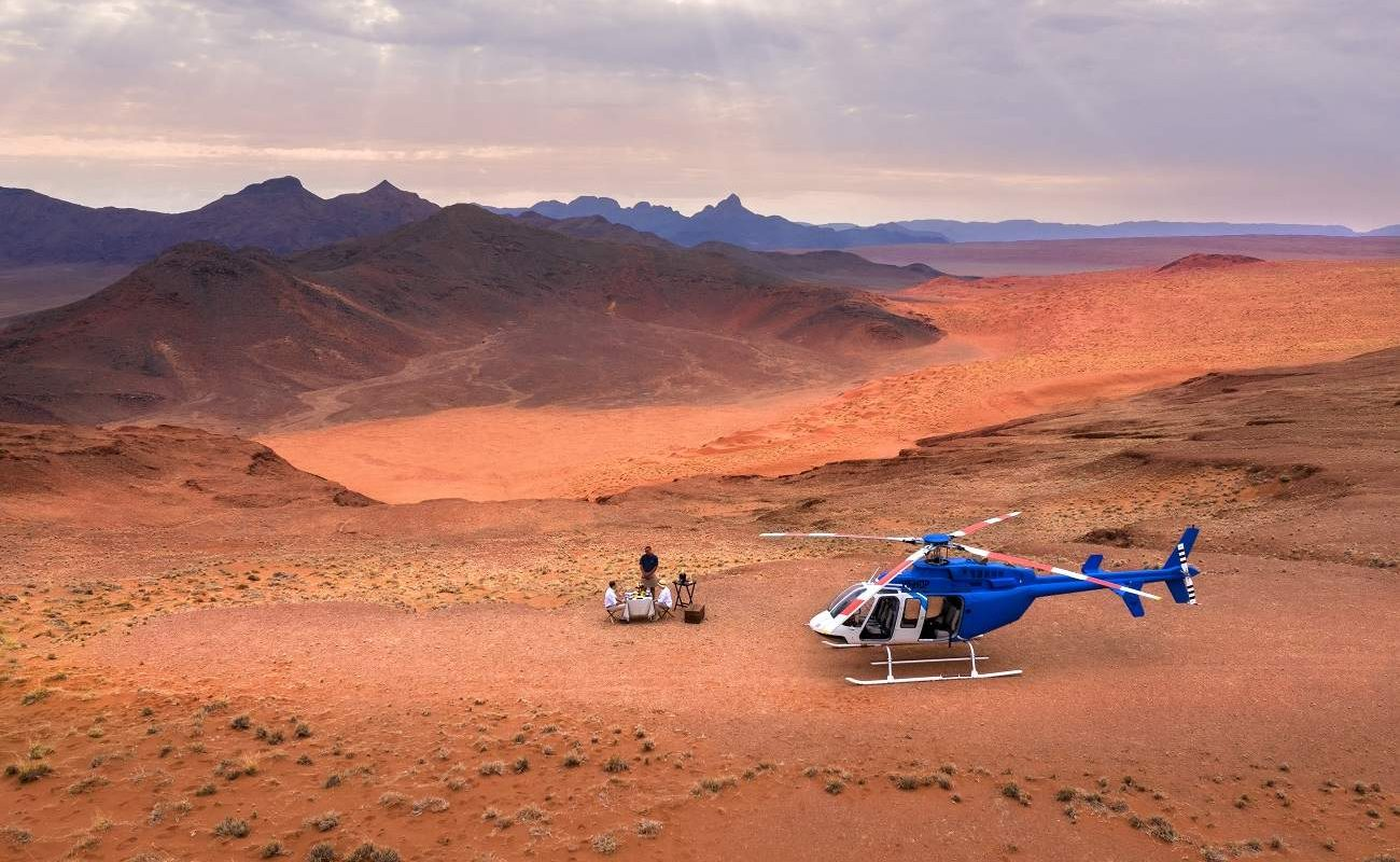 Helikopterflug in der Namib-Wüste