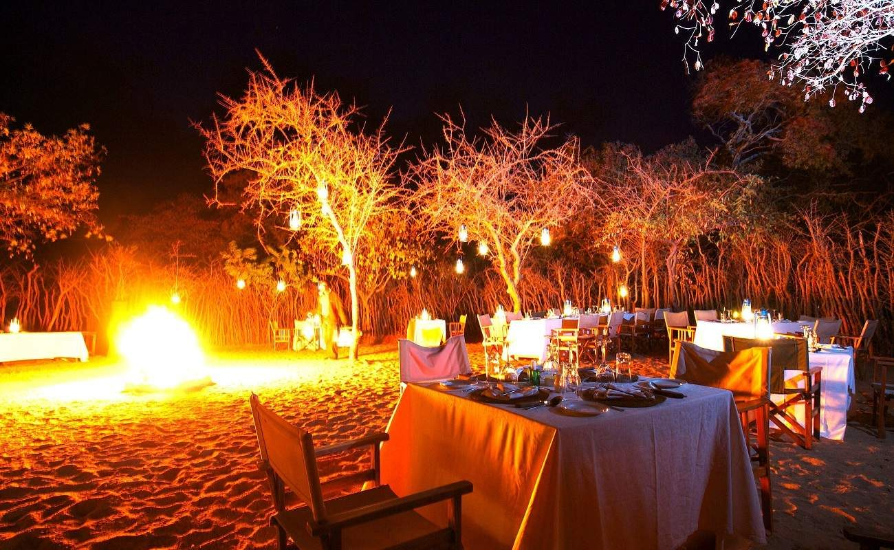Boma-Dinner in Tarangire Treetops